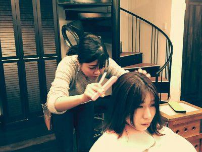 ハマちゃん先輩の髪を切る